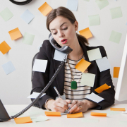 VLV-Discover how to improve time management-Woman in her job
