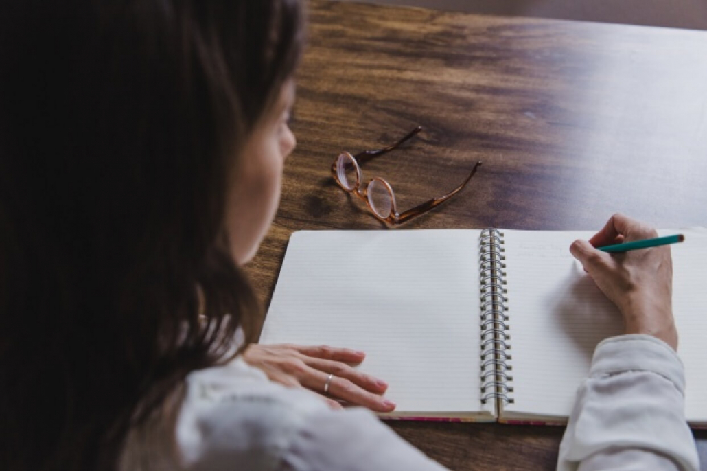 VLV-Why Journaling Helps You Build Self-Confidence-Woman writing