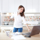 VLV-What do I do if money is not enough Learn how to earn extra money-woman working from home