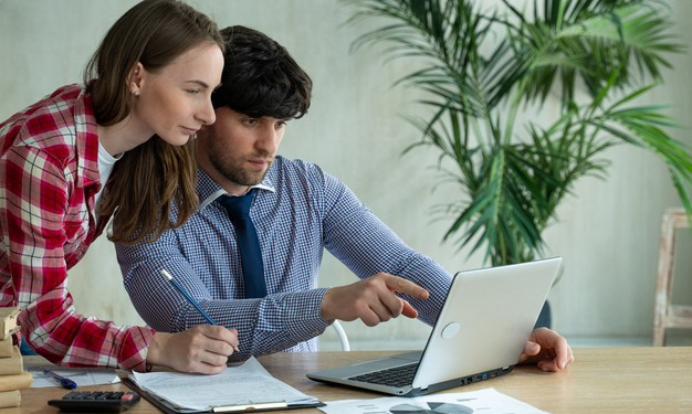 VLV-Work as a couple and achieve the dreams of both-Couple working together