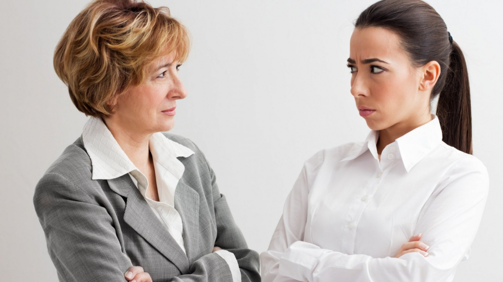 VLV-Forget about prejudices The best tips to avoid judging others-women making judgments at work