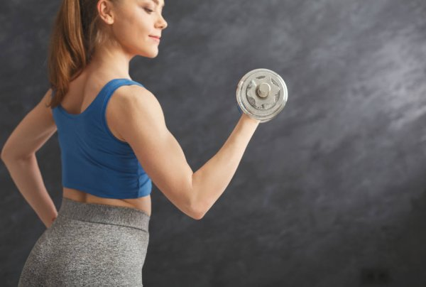 VLV-Get some exercise Benefits that exercise brings to your every day-woman making exercise