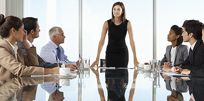 VLV-Know the six skills that every entrepreneur must have-Woman motivating her team